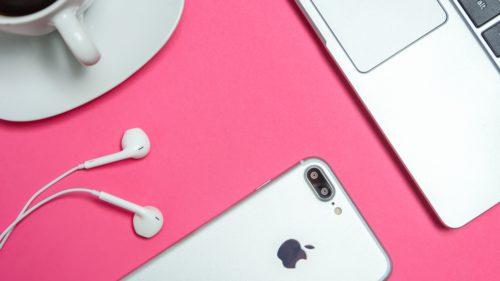 Apple este acuzată de furt, iar în scandal intră și Intel