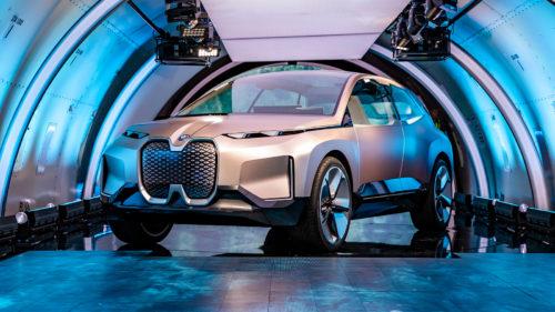 SUV-ul superb de la BMW care anticipează mașinile viitorului
