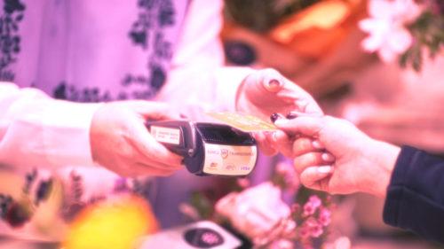 Banca Transilvania face parteneriat cu Fitbit. Ce câștigi tu din treaba asta