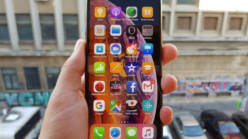 Apple apelează la Samsung ca să facă telefoane mai subțiri în 2019