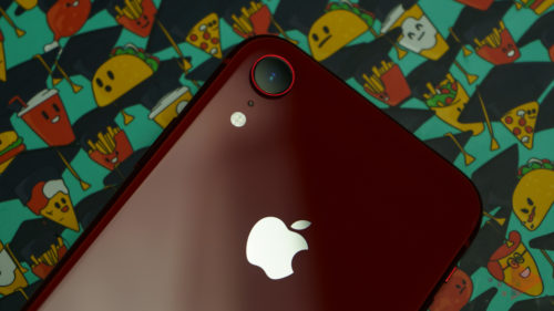 Chinezii care au interzis la iPhone, ca răzbunare pentru Huawei