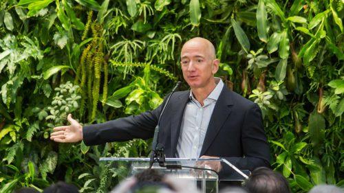 Jeff Bezos dă lovitura în plină criză medicală: e prima persoană care ajunge la această avere uriașă