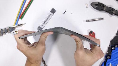 iPad Pro, test de rezistență: cât de ușor distrugi noua tabletă Apple