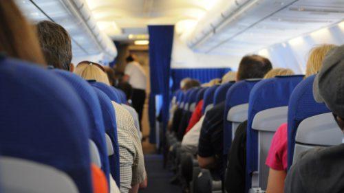 Trucul prin care liniile aeriene te fac să plătești mai mult atunci când zbori