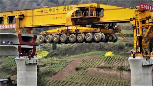 """Monstrul"" din China care construiește poduri te va impresiona"