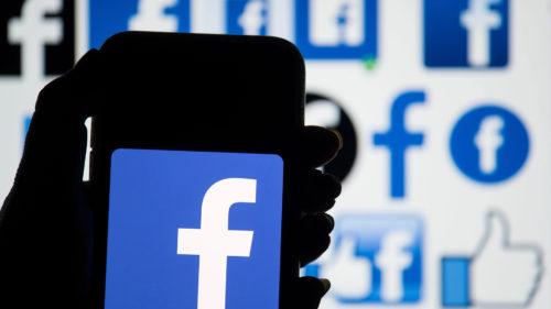 """Beneficiile """"bulei"""" pe Facebook și cum fericirea e la un """"unfollow"""" distanță"""
