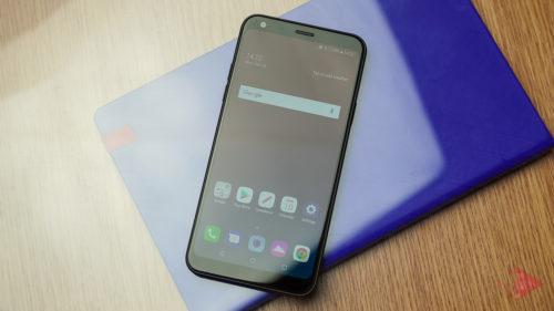 LG Q7 – Telefonul care îți arată că nu trebuie să coste o avere ca să-și facă treaba