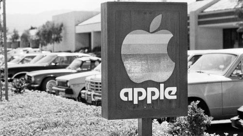 Apple investește sute de milioane de dolari în jocuri video