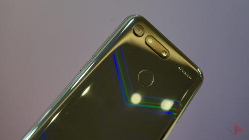 """Samsung și Apple, """"înghesuite"""" în Europa de concurență"""