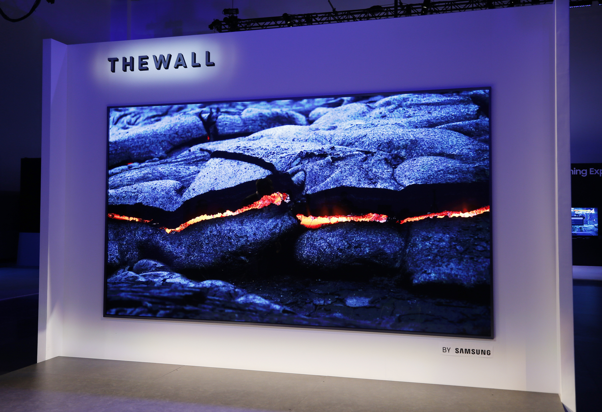 The-Wall-Modular-MicroLED-146-inch-TV-21