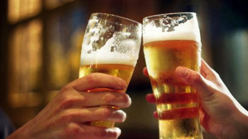 Ce se întâmplă, de fapt, în corpul tău atunci când bei prea mult alcool