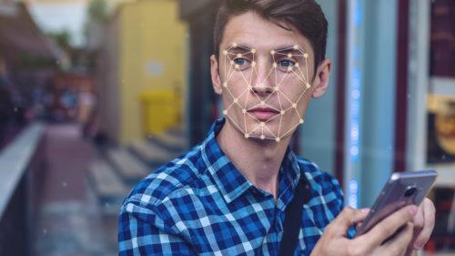 """IBM lucrează la recunoașterea facială cu fotografii """"furate"""" de pe Flickr"""
