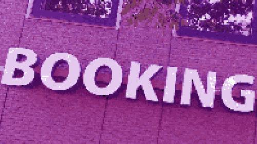Tacticile înșelătoare ale Booking.com și ale altor site-uri similare vor fi oprite