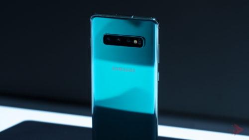 Samsung a oprit actualizările la Galaxy S10, pentru că strică telefoanele