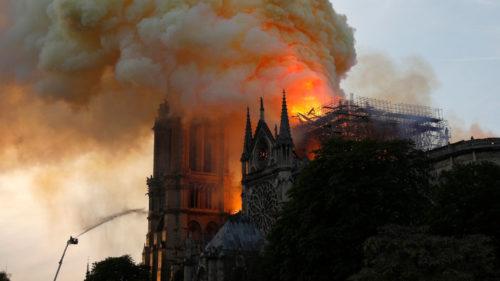 Incendiul de la Notre Dame, subiect de conspirații pe YouTube
