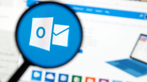 Cum creezi grupuri de contacte în Outlook, să trimiți emailuri la mai multe persoane dintr-un click