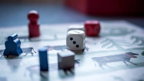 Duce loot box-ul jocurile video la limita jocurilor de noroc?