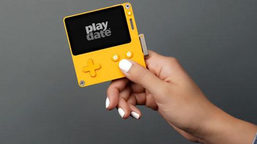 Urmașul bătrânului Game Boy este o consolă portabilă cu manivelă