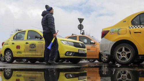 """""""Cartelul"""" taximetriștilor: de ce și-au luat o amendă imensă mai multe firme de taxi din România"""