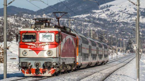 Cu trenul, la muncă: încă un handicap față de occident care îți arată că România nu-și revine