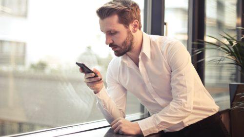 Spam prin SMS: de ce să nu crezi că ai câștigat un laptop și ai primit cea mai bună ofertă