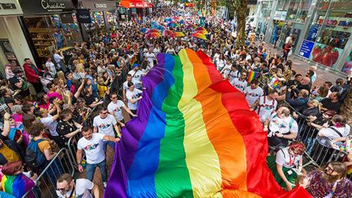 Celebrăm Pride: mesajul optimist pe care îl transmite Doodle-ul Google comunității LGBTQ+