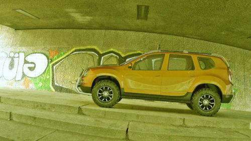 Cum arată Dacia Duster care urcă munți și e superbă chiar și în oraș