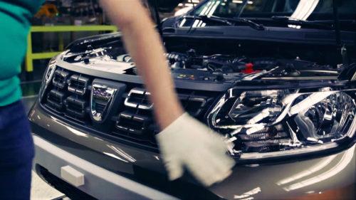 Cât costă, de fapt, o Dacia la poarta fabricii. Secretul bine ascuns al uzinei de la Mioveni
