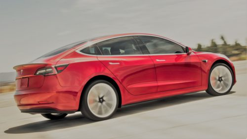 Tesla are o mașină care bate BMW și Mercedes la cel mai important capitol