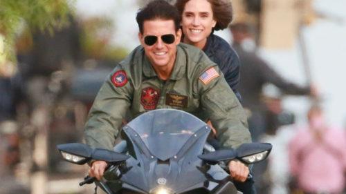 Tom Cruise se reîntoarce în filmul Top Gun, iar asta îți arată că anii pot trece și frumos