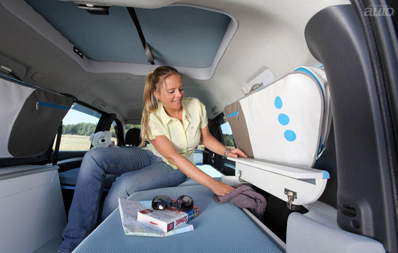Dacia Logan MCV Young Activity Van concept camper