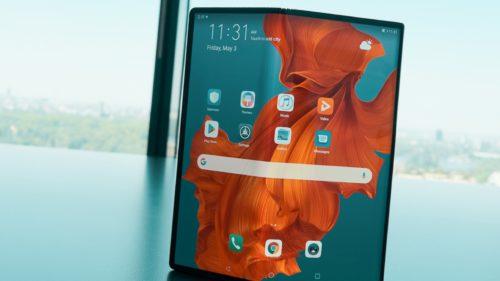 """Telefonul pliabil de la Huawei """"mai durează"""": când ar fi lansat Mate X"""