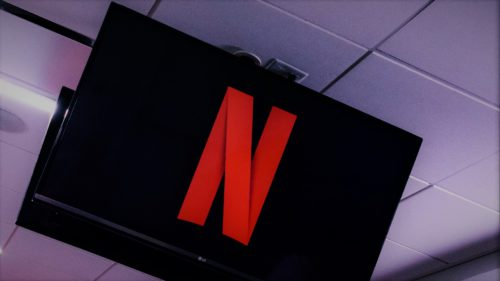 Trucuri Netflix: cum îți ferești copiii de conținut nepotrivit, printr-un cod pin