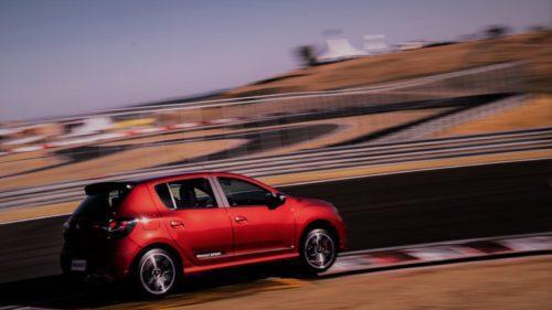 Veste de la Renault: arată ca Dacia Sandero, dar e un monstru pe șosele