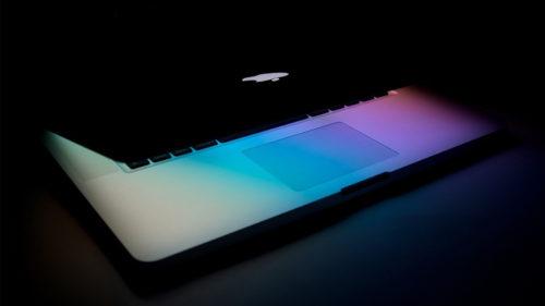 Ce faci când s-a blocat Mac-ul și nu mai răspunde la comenzi