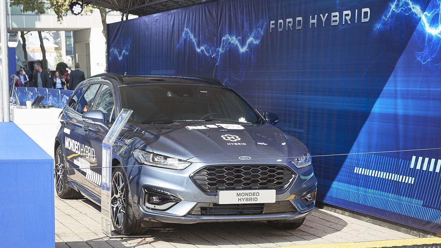 Ford-modele-hibrid-rival-Dacia-prezentare-salon-auto-Frankfurt