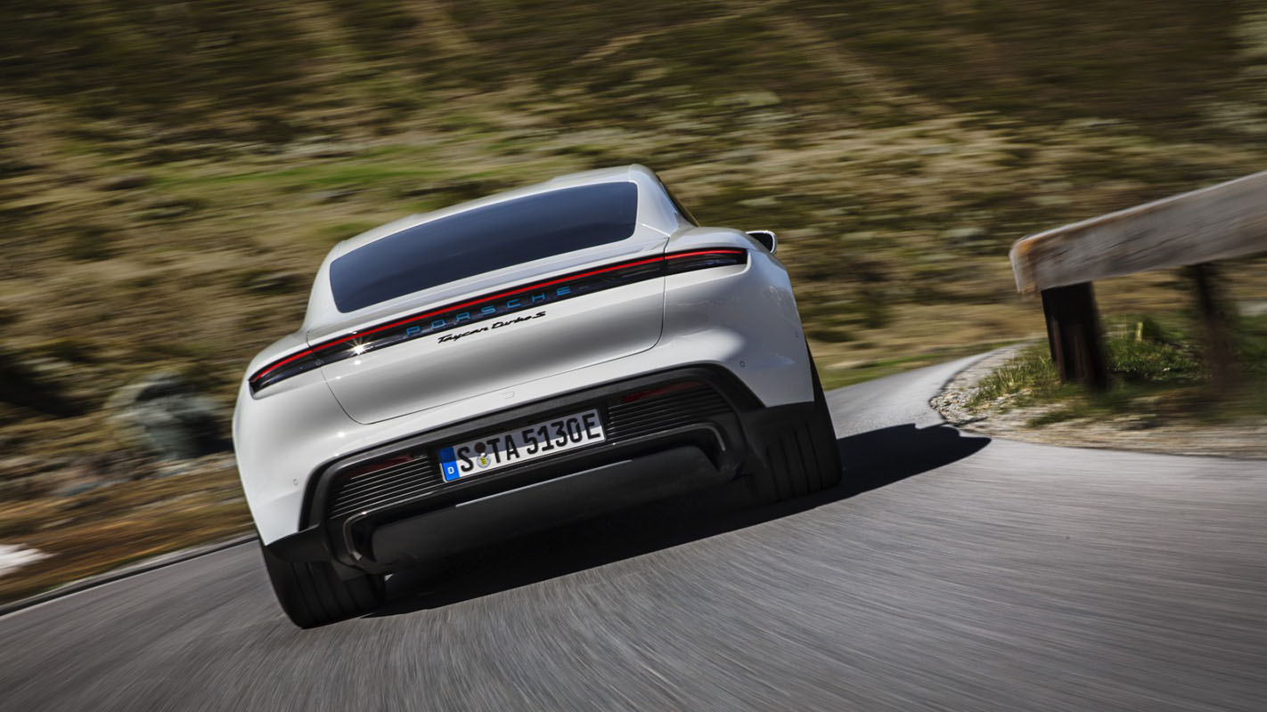 Porsche Taycan rival Tesla masina electrica