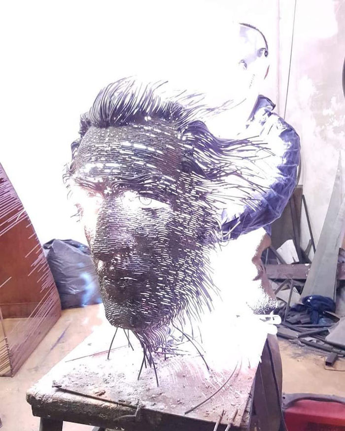 darius-hulea-metal-wire-sculptures-production