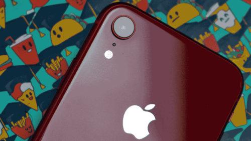 eMAG deschide cel mai mare Apple Shop și promite iPhone ieftin