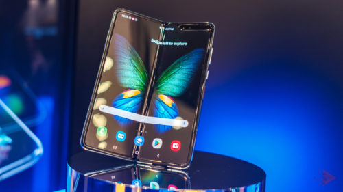 Când lansează Samsung telefonul pliabil: vine fix înainte de iPhone 11