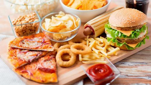 Mâncarea procesată, echivalentă cu drogurile: concluziile cercetătorilor