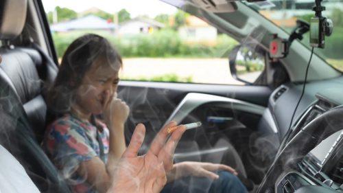 Amenzi fabuloase pentru cei care fumează lângă copii