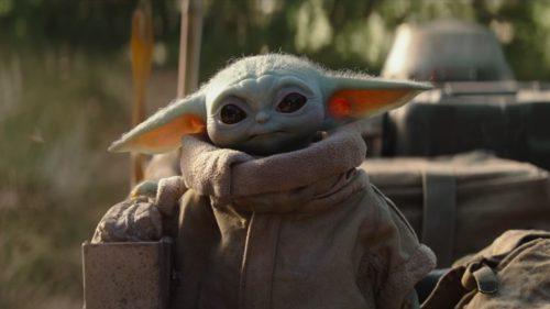 """10 ipostaze în care """"baby Yoda"""" a cucerit internetul"""