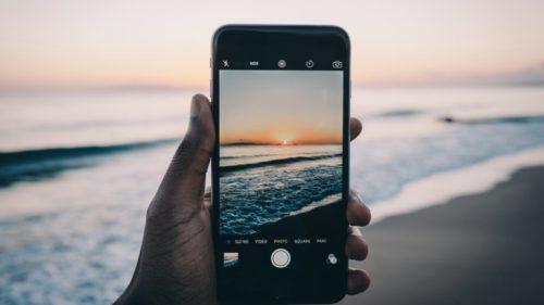 Cel mai bun mod de a-ți ține fotografiile în siguranță pe telefon, automat, fără intervenția ta