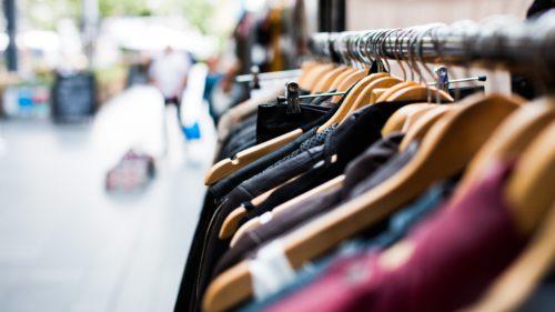 """Google te """"ajută"""" să cheltui și mai ușor bani pe haine"""