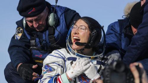 După mai multe recorduri stabilite în spațiu, Christina Koch s-a întors pe Pământ: cât a stat pe ISS