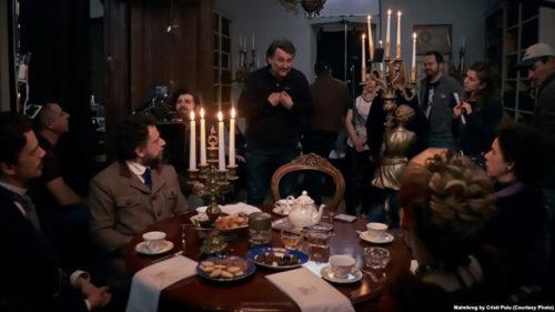 Cristi Puiu a făcut valuri de la Berlinale: despre ce este vorba în Malmkrog, noul film al regizorului