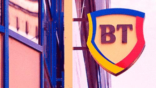 Anunț pentru cei care au carduri bancare. Decizia luată de cea mai mare bancă din România