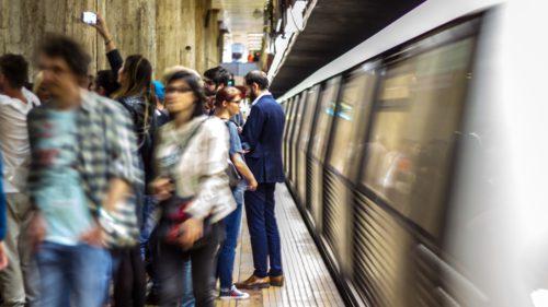 VIDEO Ce ar putea face Metrorex ca să asigure distanțarea socială în București