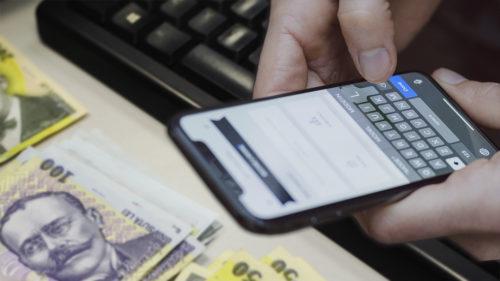Anunțul pentru toți cei care au card bancar: cum sunt furați banii într-un moment de neatenție